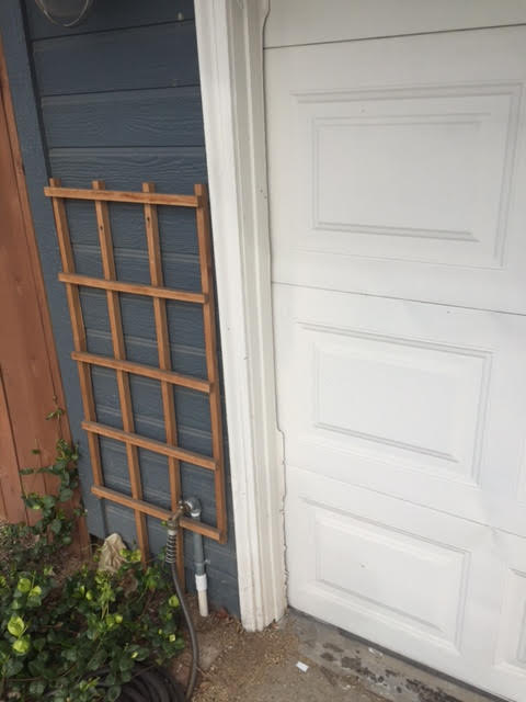 Long Beach - bad PVC molding