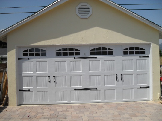 Carriage Style Garage Door - Corona
